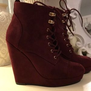 FOREVER 21 Maroon Bootie Wedges